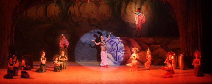 Aladdin's Cave --Broxbourne pantomime photo 2007/2008