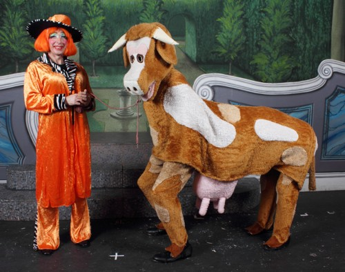 Panto Broxbourne: Dame with Cow