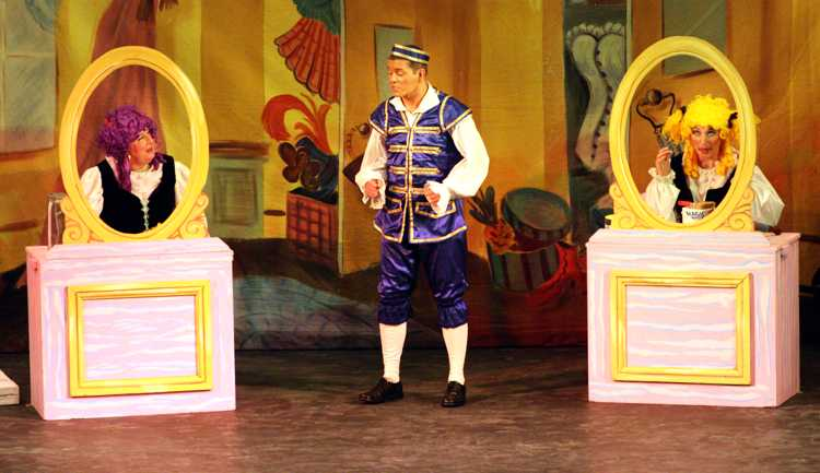 Cinderella Pantomime Broxbourne: Buttons and Ugly Sisters in Mirrors